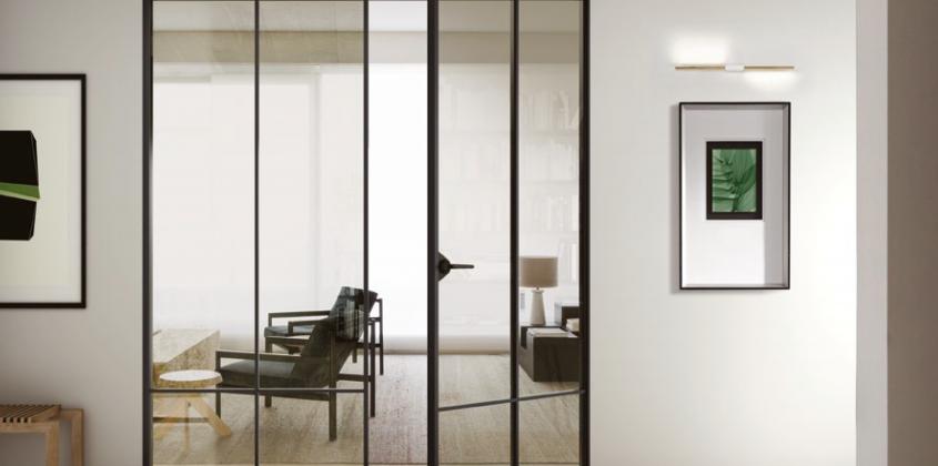 Puerta aluminio vidrio  batiente + fijo practicable simétrico diseño con travesaños